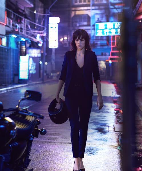 VIVEZ L'EXALTATION D'UNE  <span>MONTÉE D'ADRÉNALINE. </span> REGARDEZ  LE NOUVEAU FILM <span>BLACK OPIUM MAINTENANT.</span>